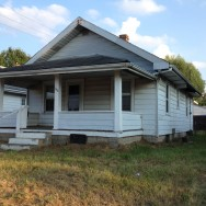 1323 E 27th St, Anderson, IN 46016